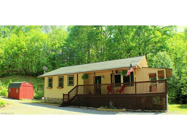Photo of 306 Staghorn Drive  Hot Springs  NC