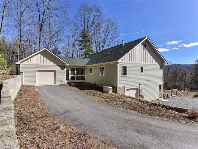 67 Misty View Dr, Hendersonville, NC 28791