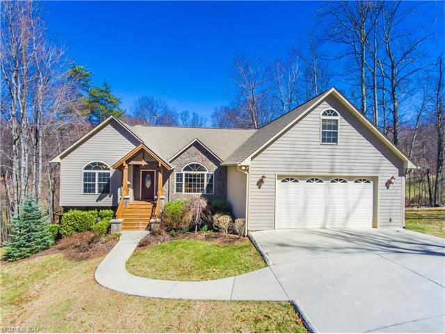 565 Sweetwater Dr, Canton, NC 28716