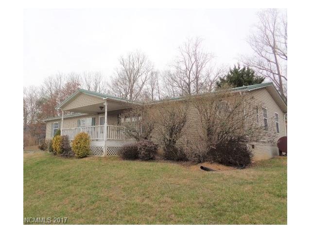 7 Crescent Dr, Burnsville, NC 28714