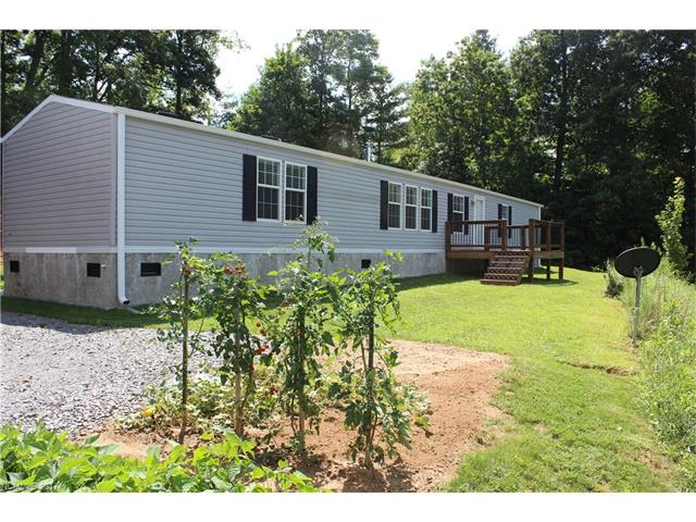 Photo of 448 Hopson Heritage Lane  Burnsville  NC
