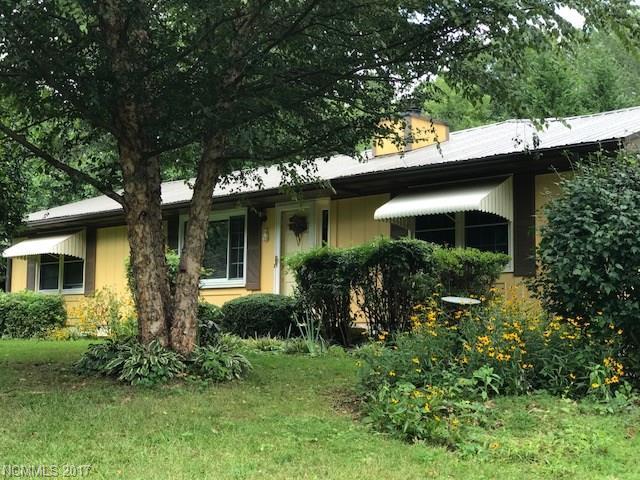 Photo of 689 Delaware Lane  Hendersonville  NC