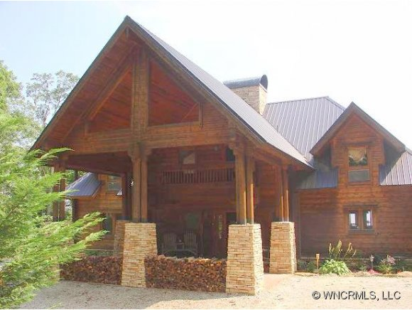 4.9 acres in Lake Toxaway, North Carolina