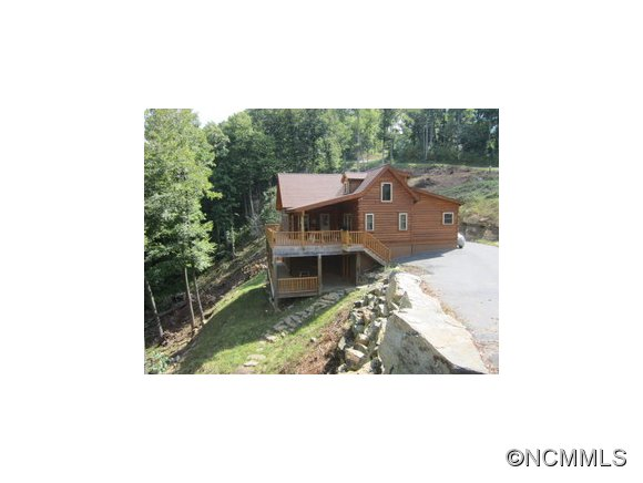 3.26 acres in Spruce Pine, North Carolina