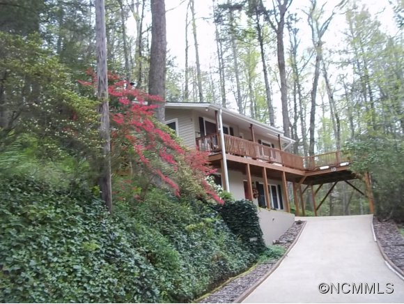 10 Edwards Rd, Cedar Mountain, NC 28718