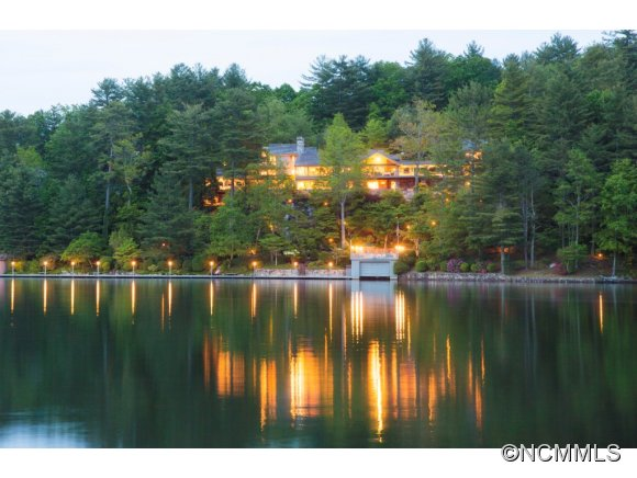 2.3 acres in Lake Toxaway, North Carolina