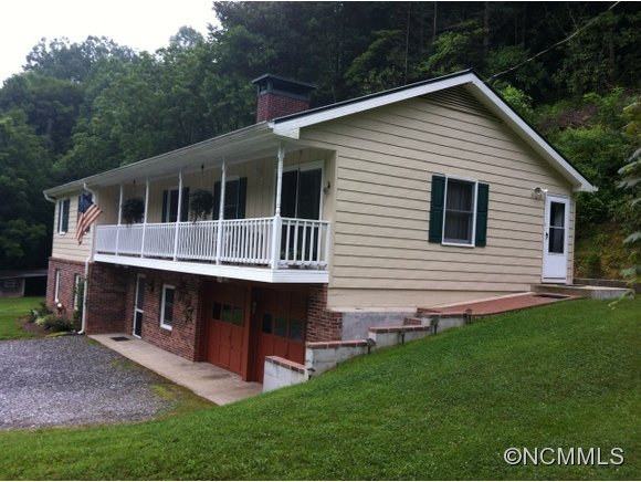 3.3 acres in Cullowhee, North Carolina