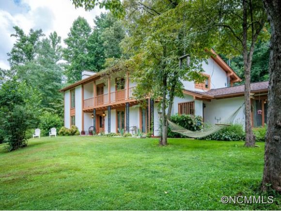 8.6 acres in Sylva, North Carolina