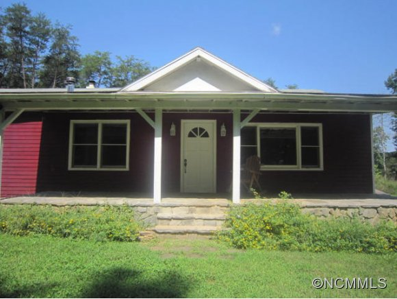 3744 Hunting Country Rd, Tryon, NC 28782