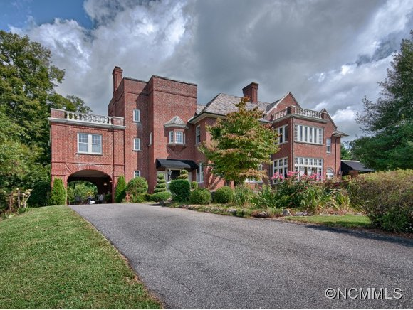 2.89 acres in Asheville, North Carolina