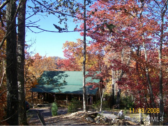 3.99 acres in Tuckasegee, North Carolina