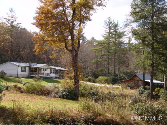 5.5 acres in Tuckasegee, North Carolina