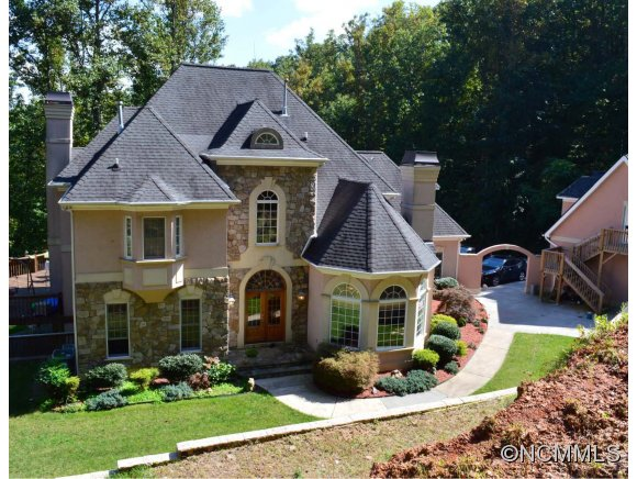 5.92 acres in Asheville, North Carolina