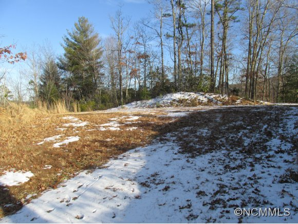 3.05 acres in Robbinsville, North Carolina