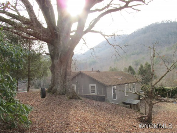 8.84 acres in Tuckasegee, North Carolina