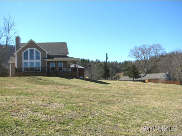 2.87 acres in Weaverville, North Carolina