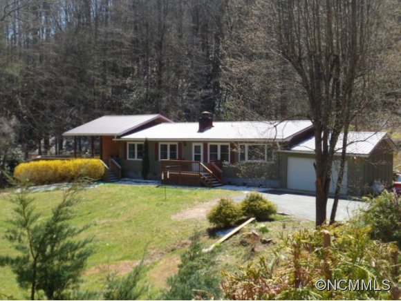 3.11 acres in Tuckasegee, North Carolina