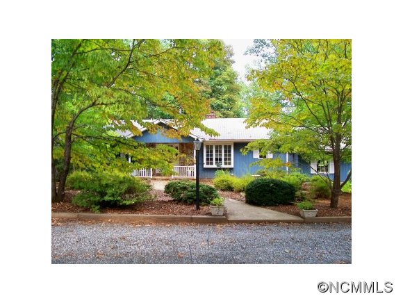 65 Holly Ridge Ln, Tryon, NC 28782