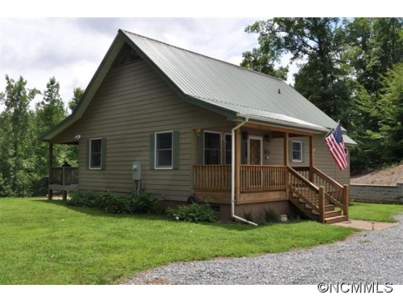 747 Meadow Crest Rd, Tryon, NC 28782
