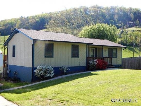 1677 Bruce Rd, Mars Hill, NC 28754