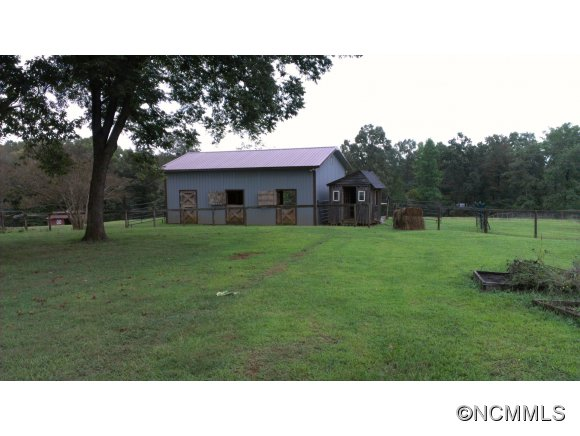 540 Mcentire Rd, Tryon, NC 28782