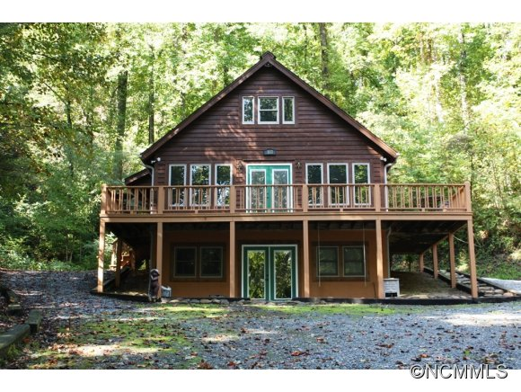 103 Orchard Mountain Rd, Saluda, NC 28773