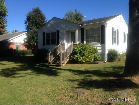 62 Maple St, Tryon, NC 28782