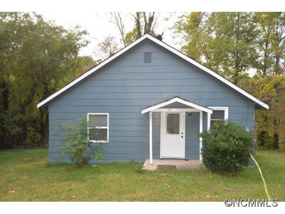 40 Lyle St, Tryon, NC 28782