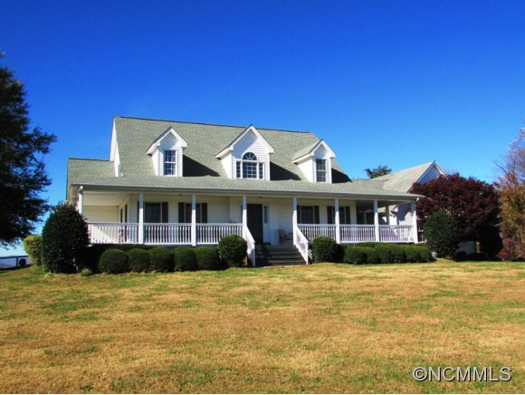 169 Fair Winds Dr, Tryon, NC 28782