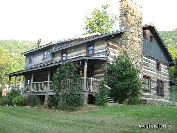 146 Gentry Farm Dr, Hot Springs, NC 28743