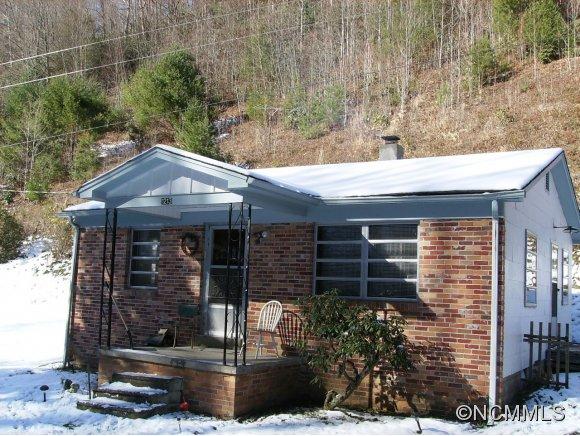 1213 Roaring Fork Rd, Mars Hill, NC 28754