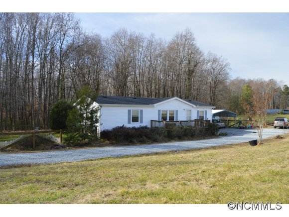 378 Johnson Rd, Columbus, NC 28722