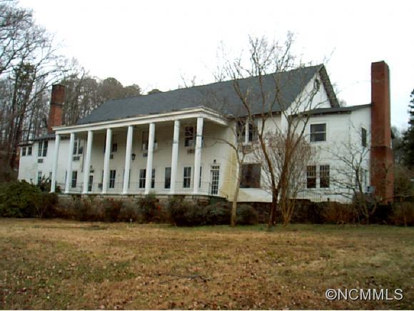 65 Mimosa Inn Dr, Tryon, NC 28782