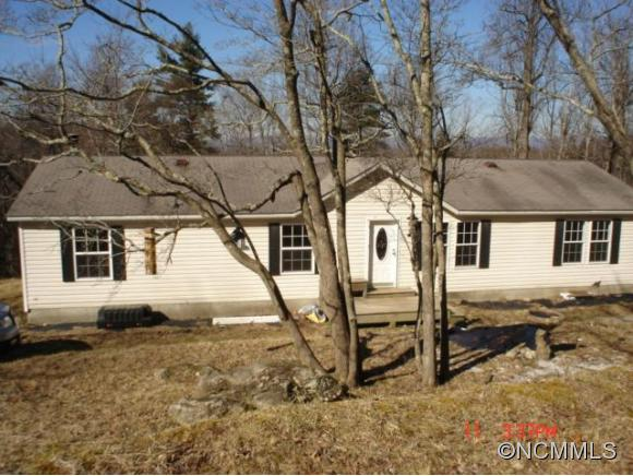 Pace Mountain Rd, Town Of Saluda, NC 28773