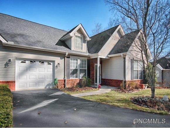 109 Hibiscus Ln, Asheville, NC 28803