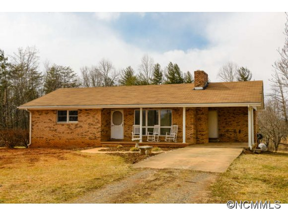 2586 Bull Creek Rd, Marshall, NC 28753