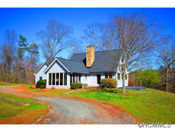 1050 Hunting Country Rd, Tryon, NC 28782