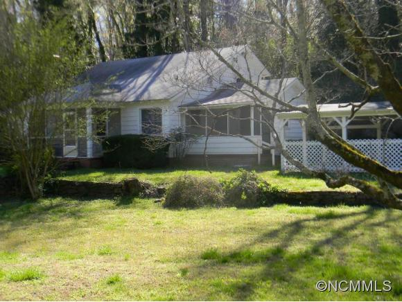 131 Warrior Mountain Rd, Tryon, NC 28782