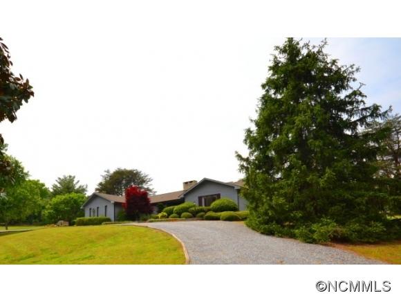 91 Hooper Creek Rd, Tryon, NC 28782