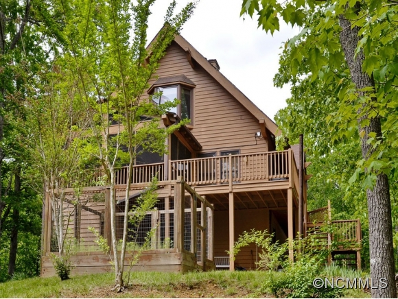 183 Woodhaven Dr, Saluda, NC 28773