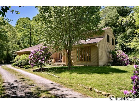 5 Chestnut Lodge Rd, Black Mountain, NC 28711
