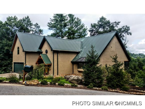 30 Spring Hill Dr, Asheville, NC 28804