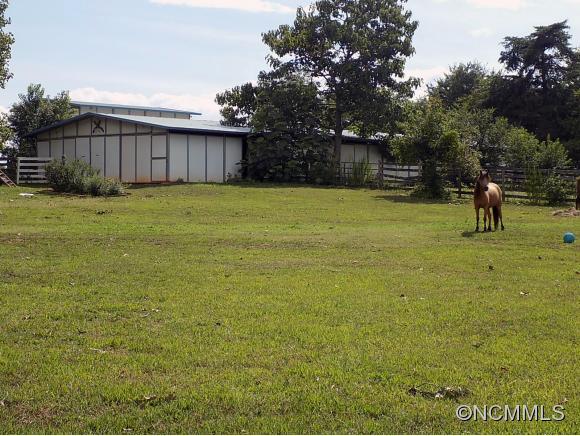 1896 E Green Creek Dr, Tryon, NC 28782