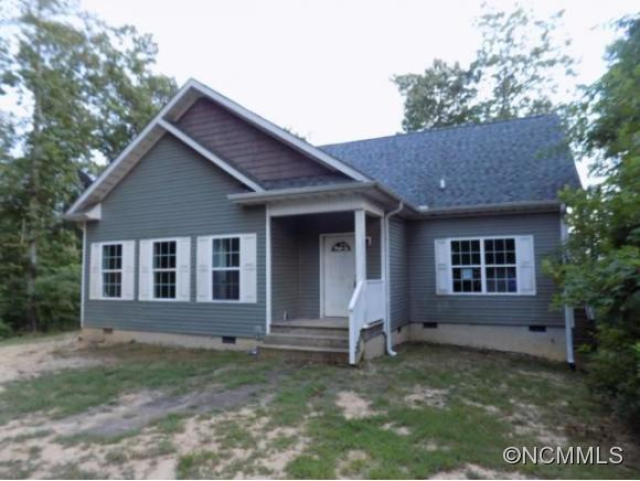 1013 Old Mountain Page Rd, Saluda, NC 28773