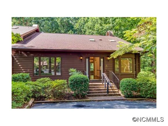 21 Hunting Country Trl, Tryon, NC 28782
