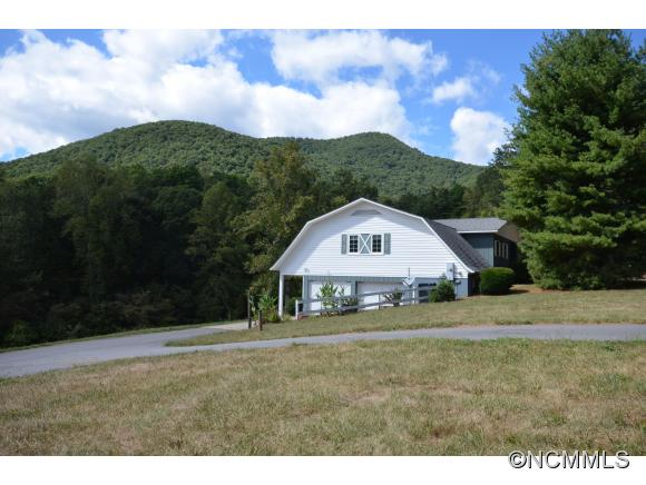 2.5 acres Candler, NC