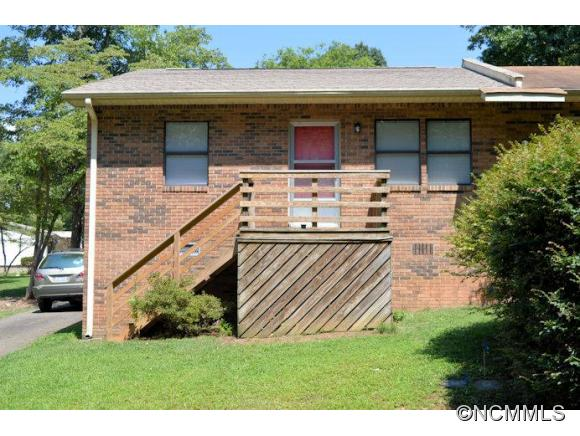 52 Windwood Dr, Columbus, NC 28722