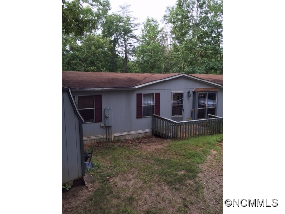 252 Hickory Nut Dr, Mill Spring, NC 28756