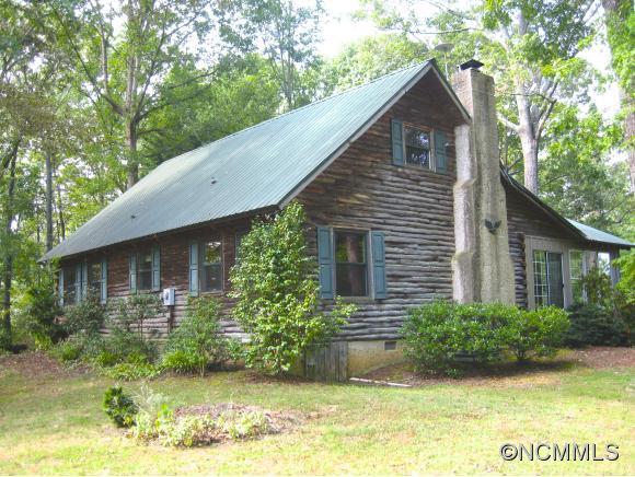 621 White Oak Ln, Tryon, NC 28782
