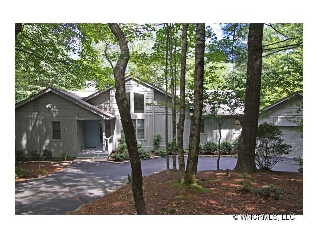 Photo of 522 Toxaway Court  Lake Toxaway  NC
